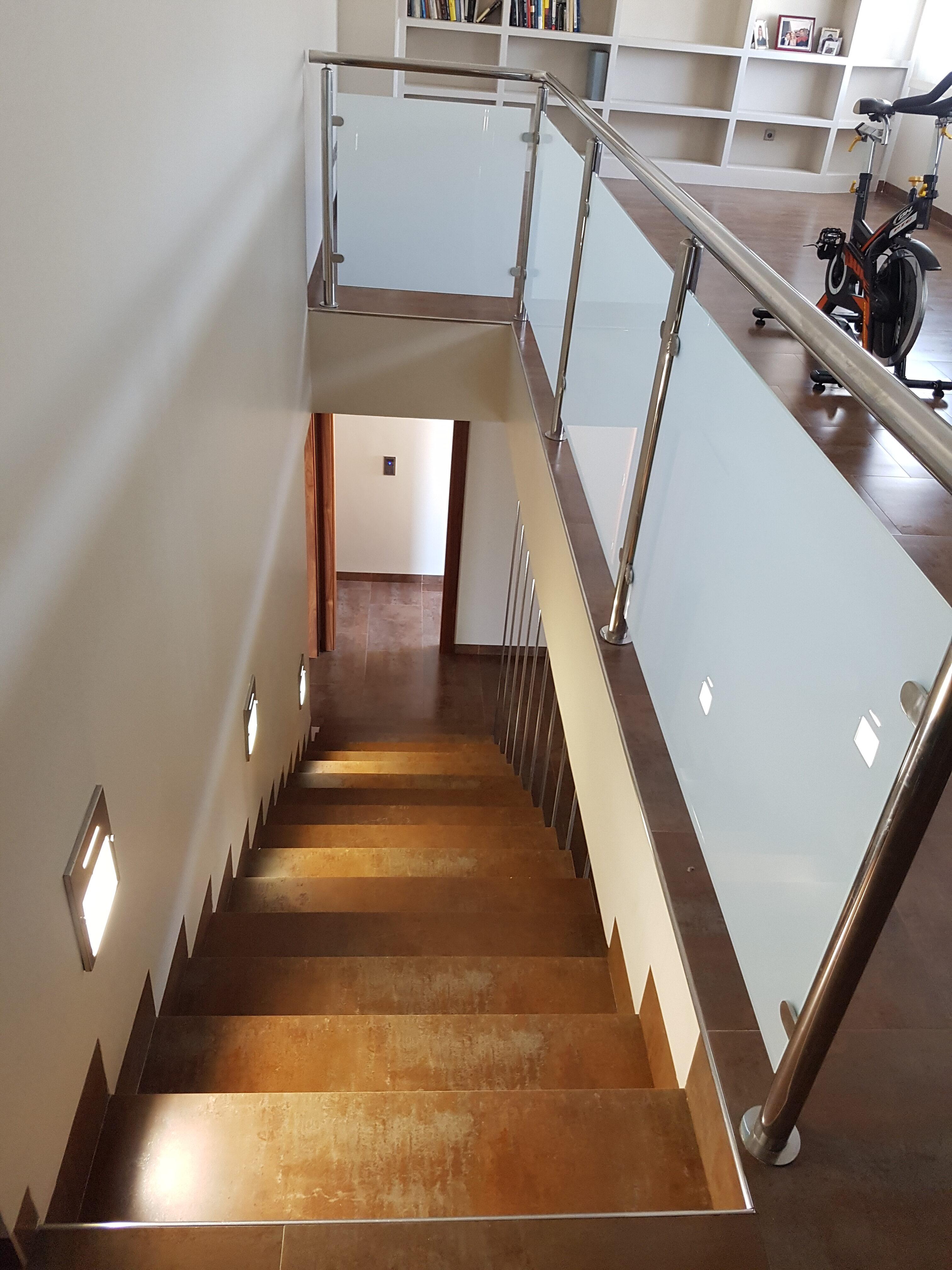 Escalera arriba